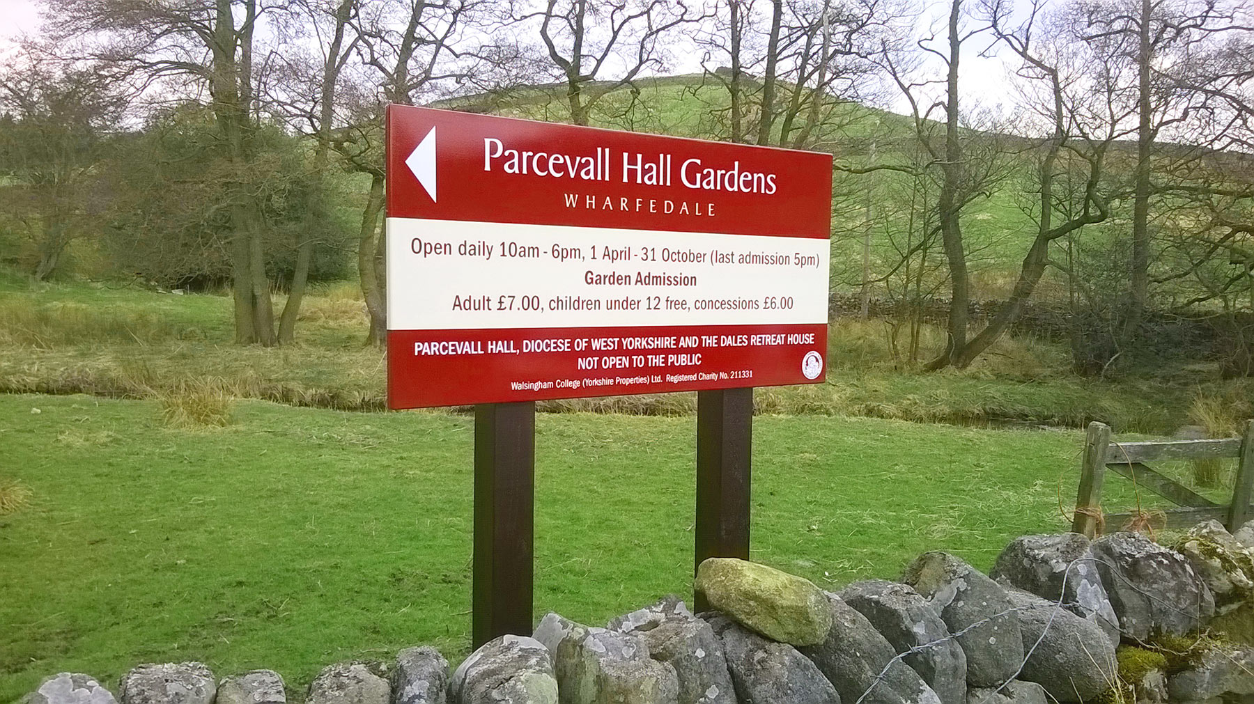 Parcevall Hall Gardens post mounted signs from Valley Signs